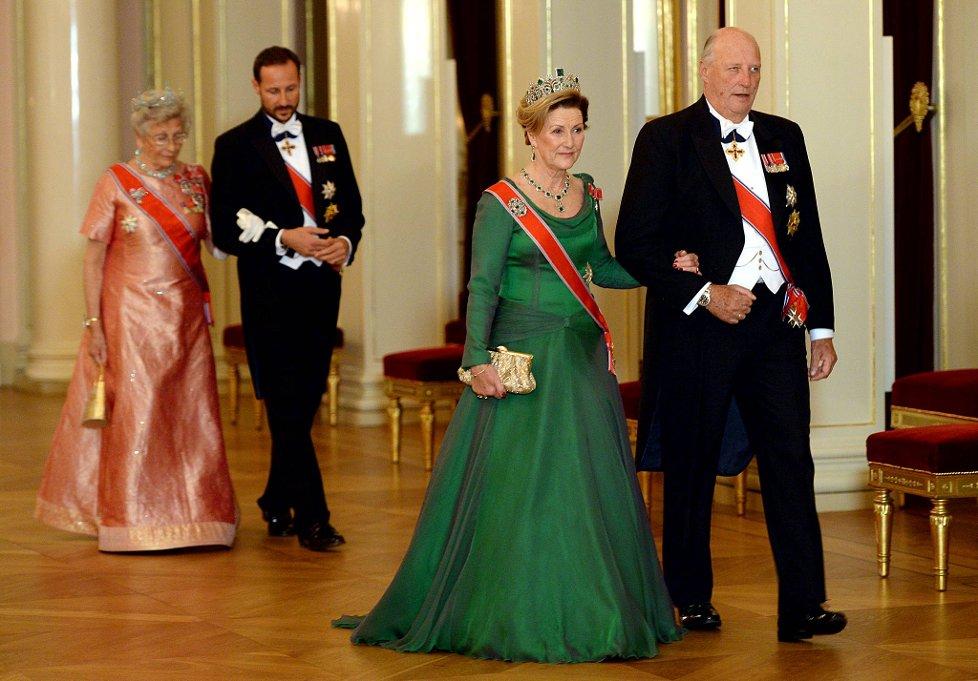 Sonja Haraldsen. Reina de Noruega - Página 11 20131024-058_5151523a