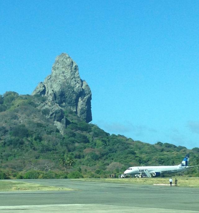 aeroporto - [Brasil] Avião sofre pane na pista do aeroporto de Fernando de Noronha Aci%C3%A3o