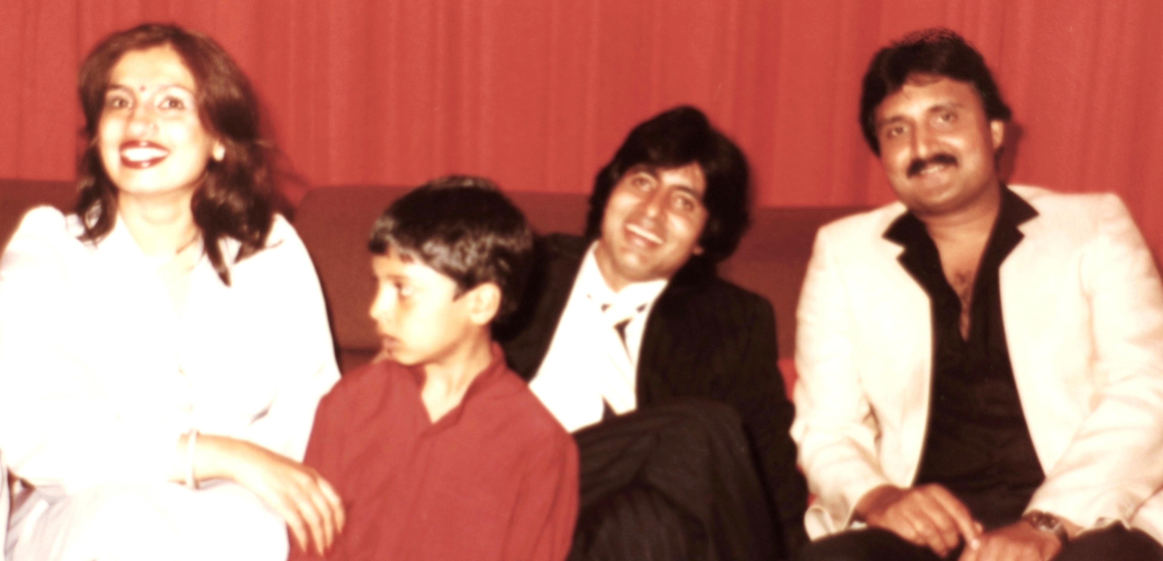 Амит-джи. Фото - Страница 10 Nitu-Kunal-Amitabh-Bachchan-Mahesh