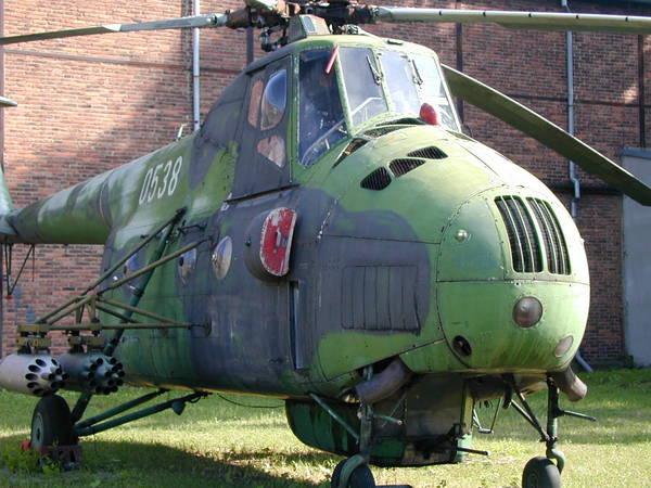 Unión - Mil Mi-4 helicóptero de transporte  ( Unión Soviética ) Mi-4_01
