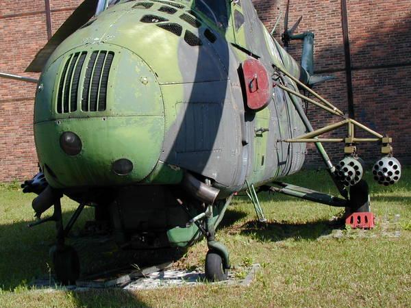 Unión - Mil Mi-4 helicóptero de transporte  ( Unión Soviética ) Mi-4_03