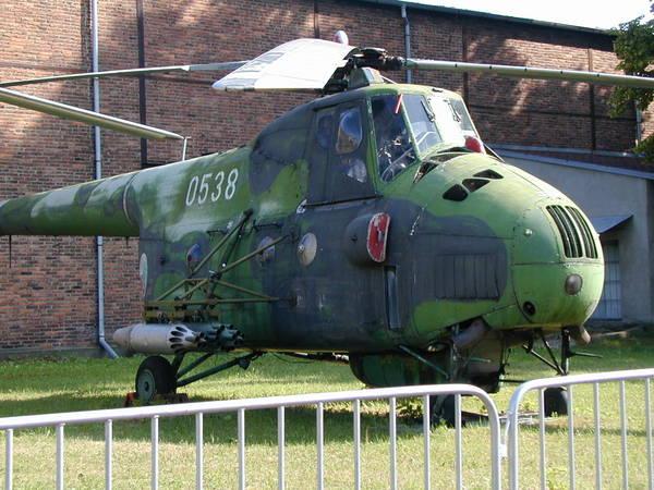 Unión - Mil Mi-4 helicóptero de transporte  ( Unión Soviética ) Mi-4_04