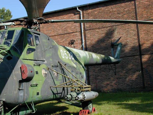Unión - Mil Mi-4 helicóptero de transporte  ( Unión Soviética ) Mi-4_05