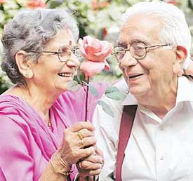Can you live a LIFE without LOVE? Old-couple1