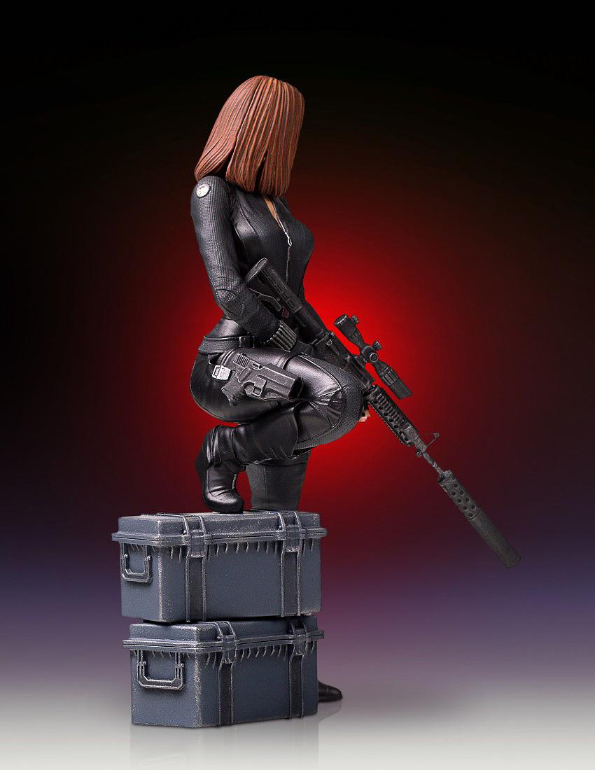 """BLACK WIDOW """"WINTER SOLDIER"""" 1/7 STATUE GENTLE GIANT Gentle-black-widow-statue-02"""