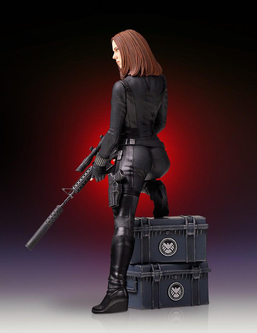 """BLACK WIDOW """"WINTER SOLDIER"""" 1/7 STATUE GENTLE GIANT Gentle-black-widow-statue-03"""