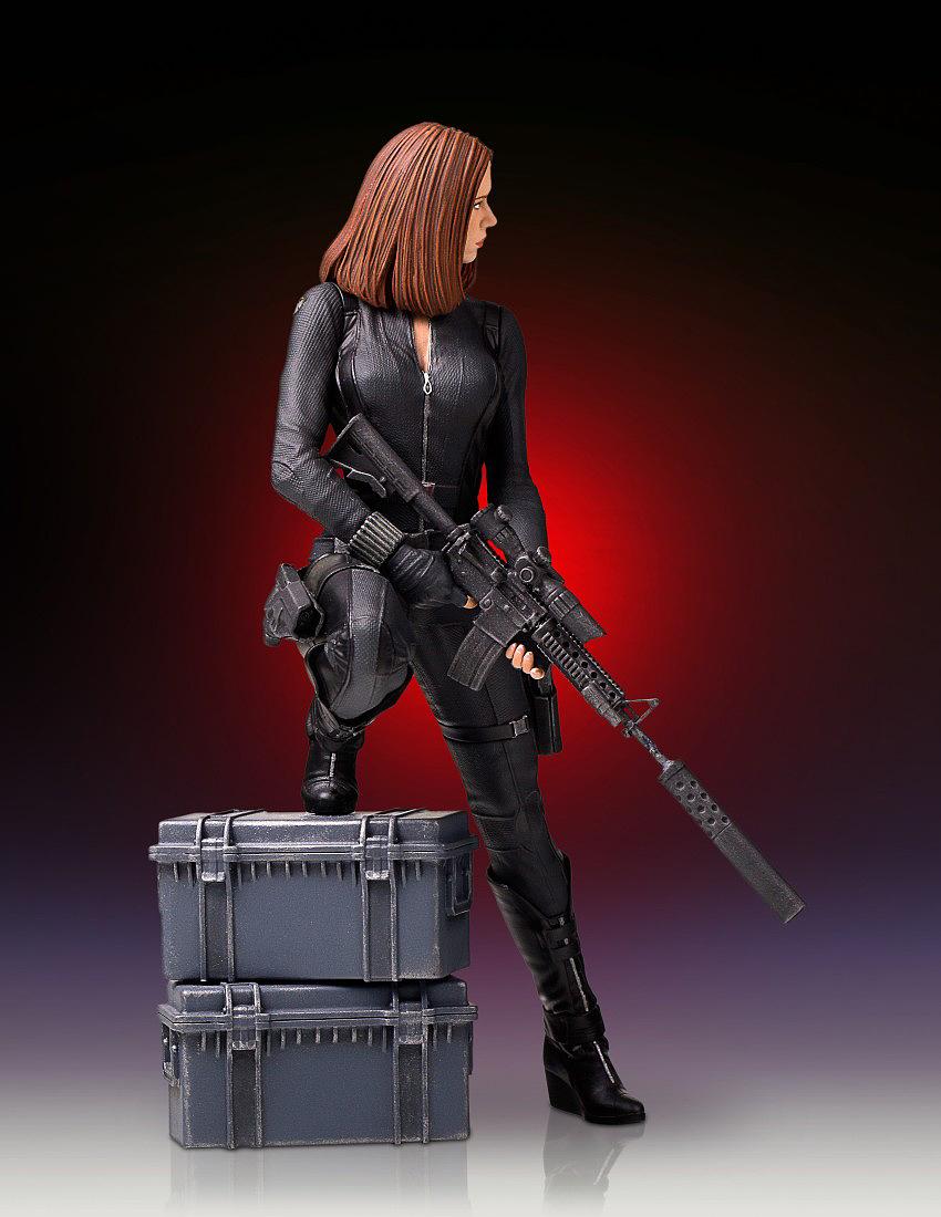 """BLACK WIDOW """"WINTER SOLDIER"""" 1/7 STATUE GENTLE GIANT Gentle-black-widow-statue-05"""