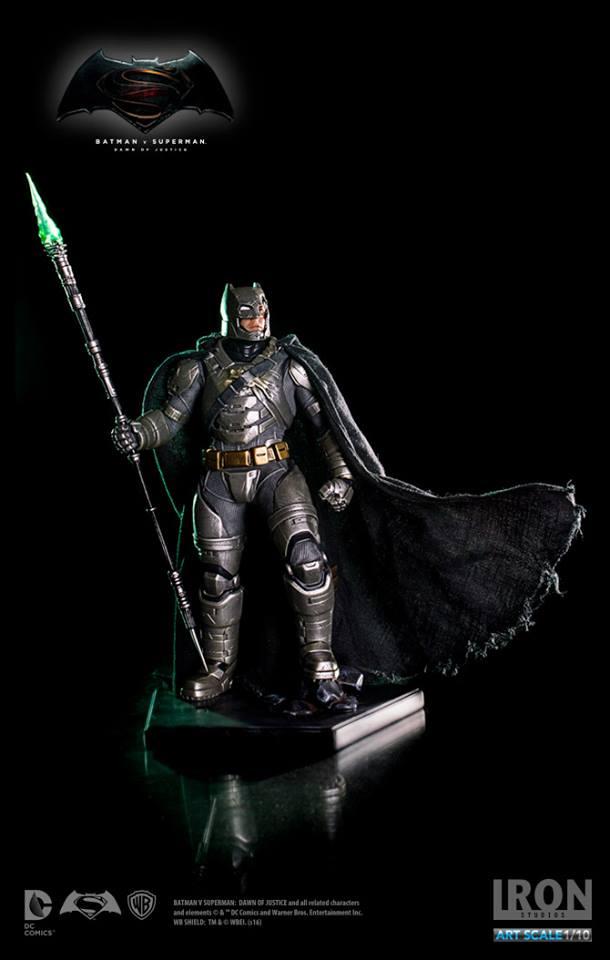 IRON STUDIOS: BATMAN ARMOR DAWN OF JUSTICE Art scale 1/10 Batman-battle-dammage-BvsS-art-scale-iron-studios-01