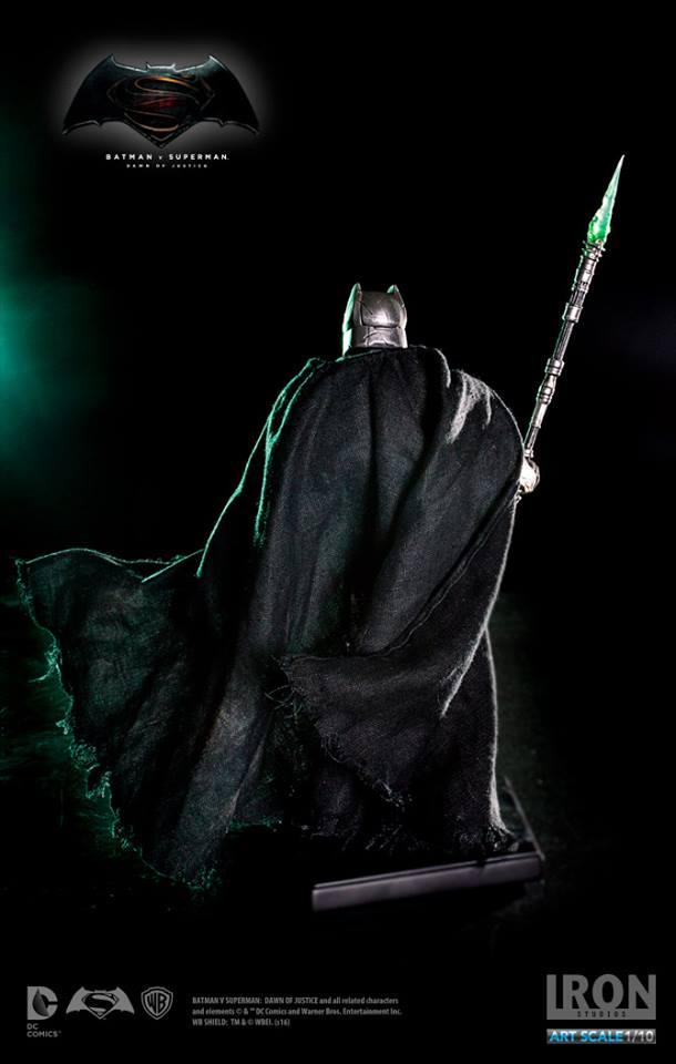 IRON STUDIOS: BATMAN ARMOR DAWN OF JUSTICE Art scale 1/10 Batman-battle-dammage-BvsS-art-scale-iron-studios-02