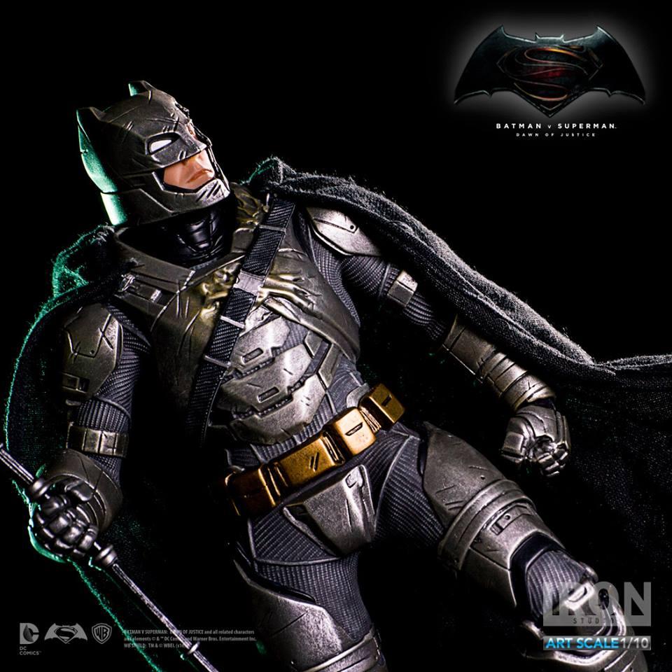 IRON STUDIOS: BATMAN ARMOR DAWN OF JUSTICE Art scale 1/10 Batman-battle-dammage-BvsS-art-scale-iron-studios-04