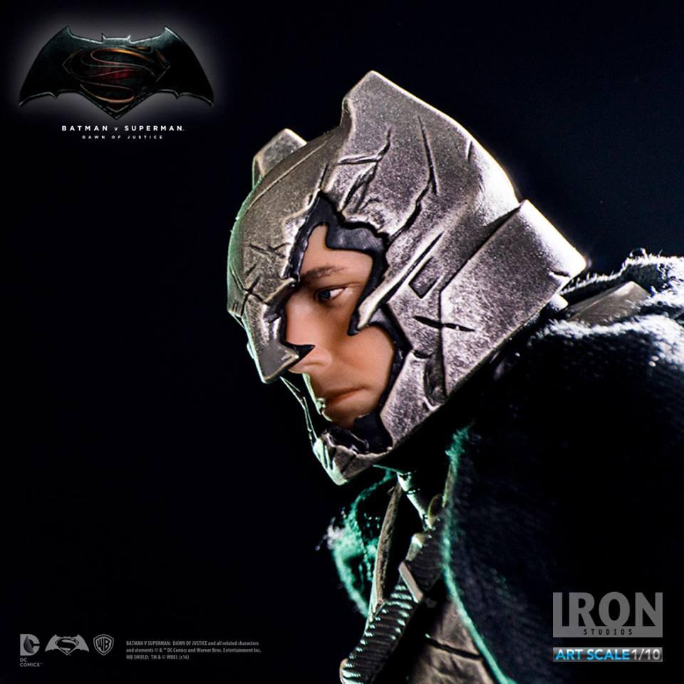 IRON STUDIOS: BATMAN ARMOR DAWN OF JUSTICE Art scale 1/10 Batman-battle-dammage-BvsS-art-scale-iron-studios-06