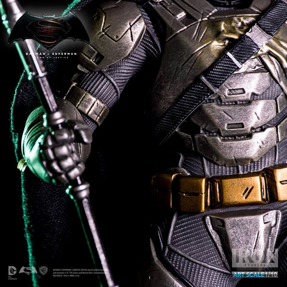 IRON STUDIOS: BATMAN ARMOR DAWN OF JUSTICE Art scale 1/10 Batman-battle-dammage-BvsS-art-scale-iron-studios-07