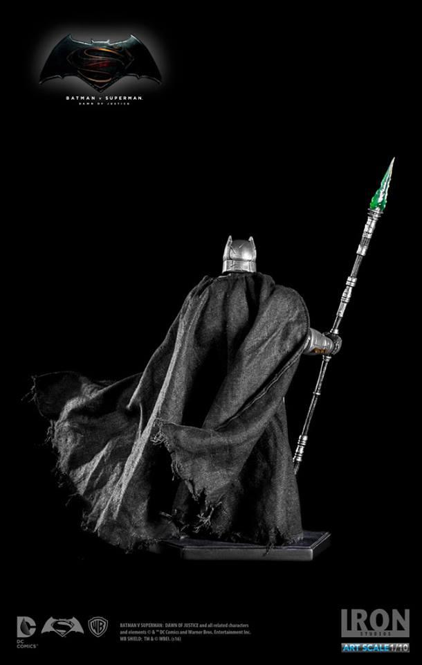IRON STUDIOS: BATMAN ARMOR DAWN OF JUSTICE Art scale 1/10 Batman-battle-dammage-BvsS-art-scale-iron-studios-12