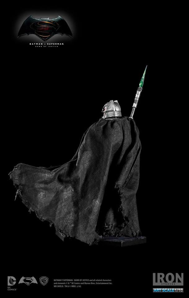 IRON STUDIOS: BATMAN ARMOR DAWN OF JUSTICE Art scale 1/10 Batman-battle-dammage-BvsS-art-scale-iron-studios-13