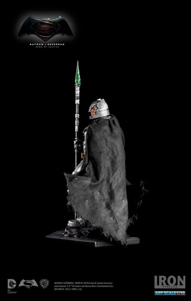 IRON STUDIOS: BATMAN ARMOR DAWN OF JUSTICE Art scale 1/10 Batman-battle-dammage-BvsS-art-scale-iron-studios-14