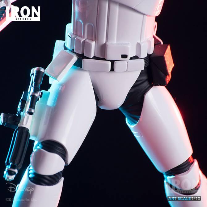 IRON STUDIOS: RIOT CONTROL STORMTROOPER Episode VII art scale 1/10  Riot-control-stormtrooper-art-scale-iron-studios-02