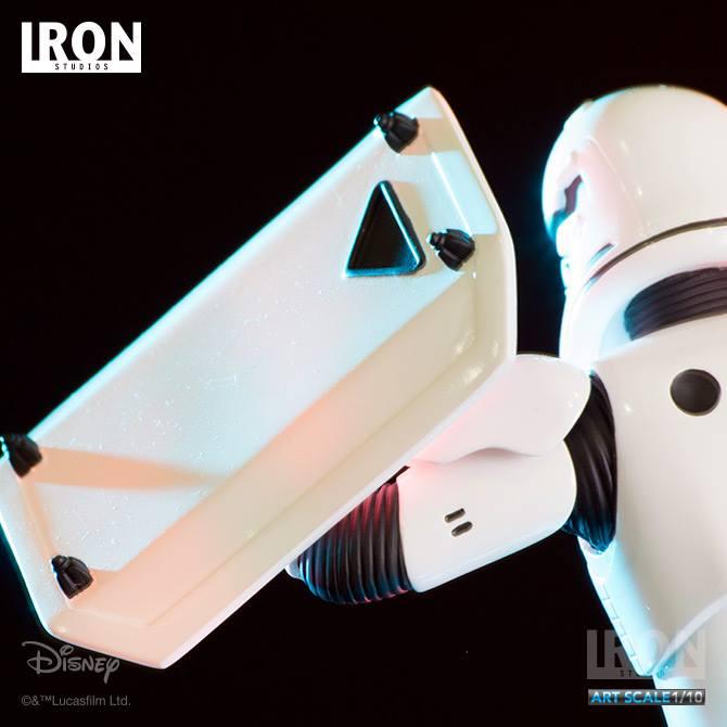 IRON STUDIOS: RIOT CONTROL STORMTROOPER Episode VII art scale 1/10  Riot-control-stormtrooper-art-scale-iron-studios-05