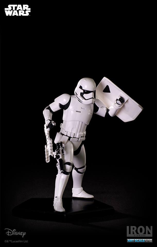 IRON STUDIOS: RIOT CONTROL STORMTROOPER Episode VII art scale 1/10  Riot-control-stormtrooper-art-scale-iron-studios-06