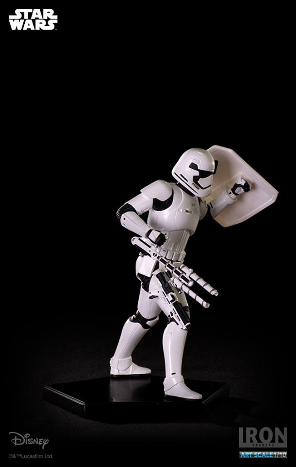 IRON STUDIOS: RIOT CONTROL STORMTROOPER Episode VII art scale 1/10  Riot-control-stormtrooper-art-scale-iron-studios-07