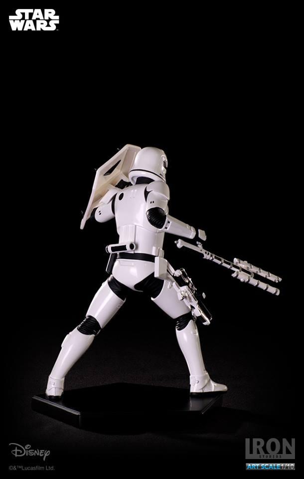 IRON STUDIOS: RIOT CONTROL STORMTROOPER Episode VII art scale 1/10  Riot-control-stormtrooper-art-scale-iron-studios-09