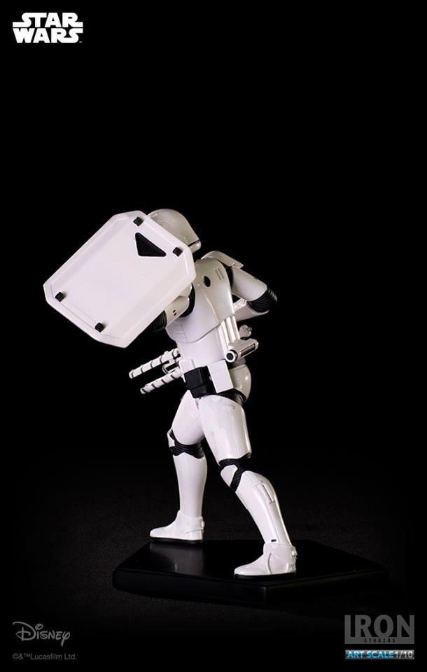 IRON STUDIOS: RIOT CONTROL STORMTROOPER Episode VII art scale 1/10  Riot-control-stormtrooper-art-scale-iron-studios-11