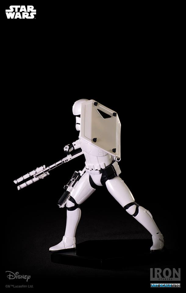 IRON STUDIOS: RIOT CONTROL STORMTROOPER Episode VII art scale 1/10  Riot-control-stormtrooper-art-scale-iron-studios-12