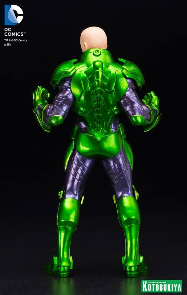 New 52 : LEX LUTHOR (armure) DC-Comics-Lex-Luthor-ARTFX-Statue.-3
