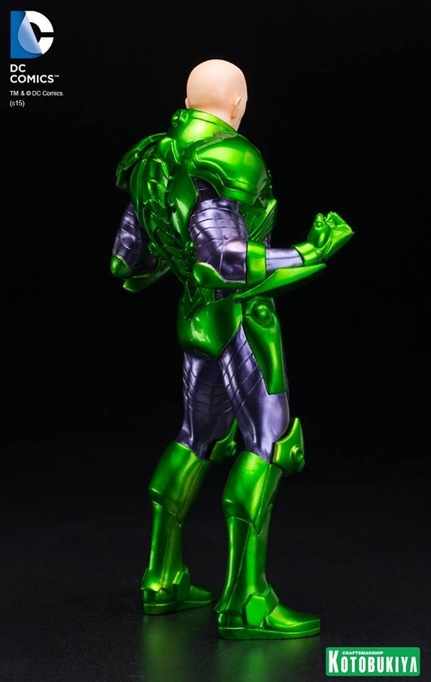 New 52 : LEX LUTHOR (armure) DC-Comics-Lex-Luthor-ARTFX-Statue.-4