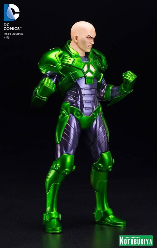 New 52 : LEX LUTHOR (armure) DC-Comics-Lex-Luthor-ARTFX-Statue.-5