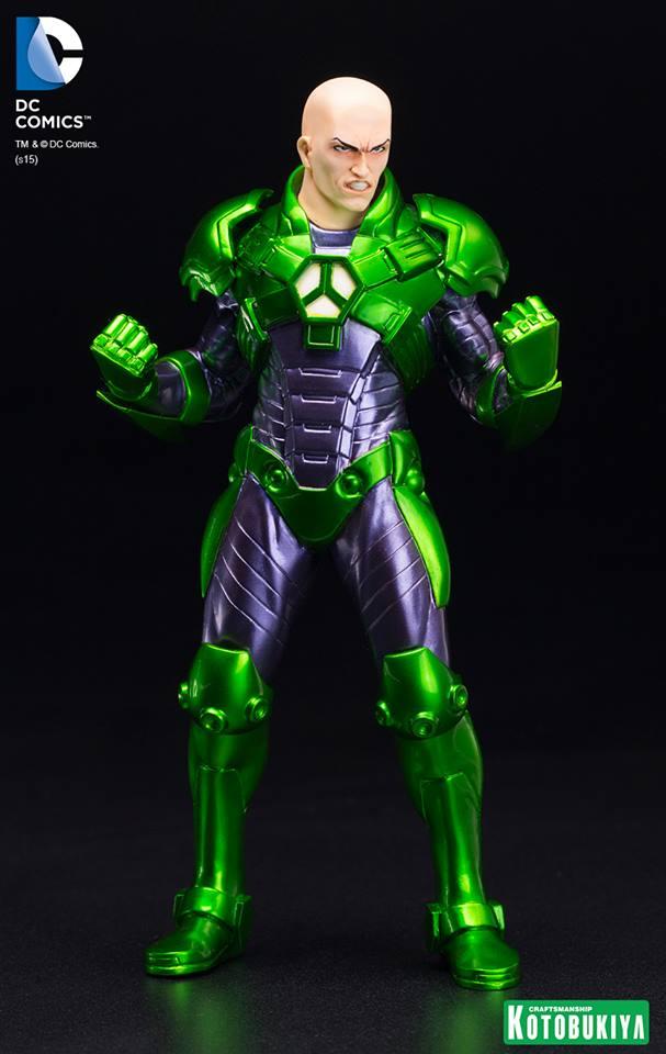 New 52 : LEX LUTHOR (armure) DC-Comics-Lex-Luthor-ARTFX-Statue.-6
