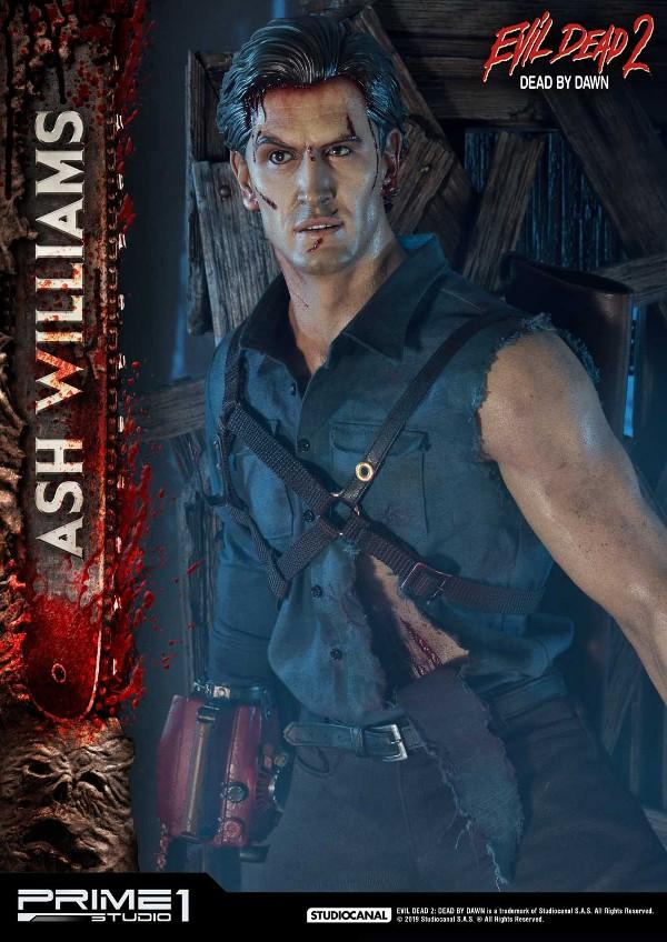 EVIL DEAD 2 : ASH WILLIAMS 1.3 Ash-Statue-1