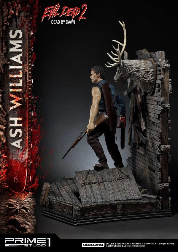 EVIL DEAD 2 : ASH WILLIAMS 1.3 Ash-Statue-5