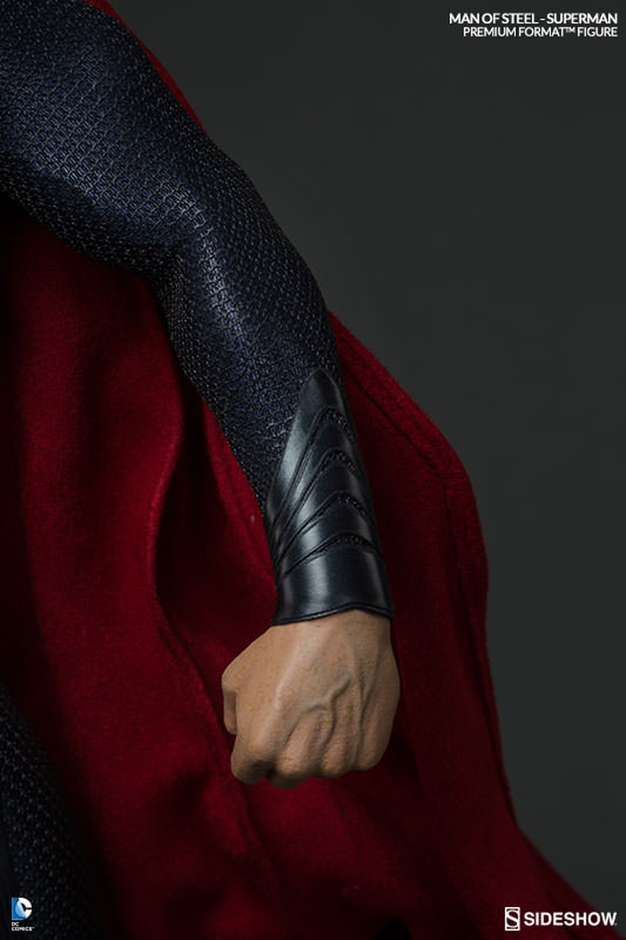 MAN OF STEEL SUPERMAN PREMIUM FORMAT FIGURE Man-of-steel-superman-premium-format-300351-08