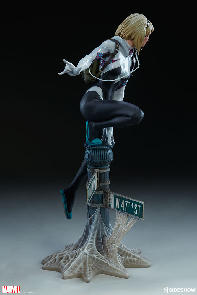 """SPIDER-GWEN """"MARK BROOKS"""" Statue -spider-gwen-statue-sideshow-200507-06"""