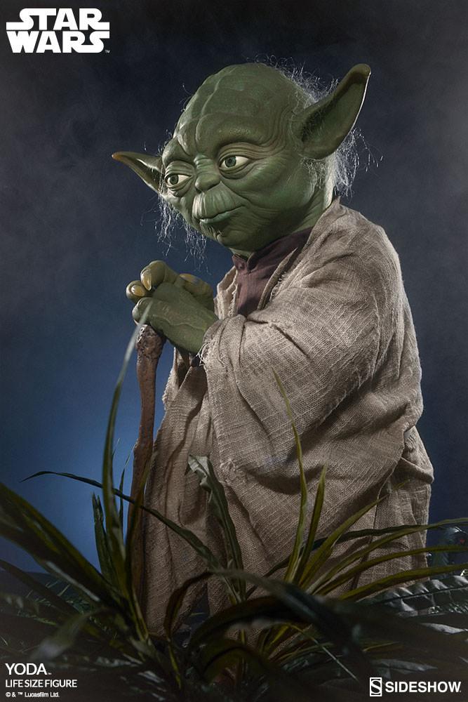 STAR WARS: YODA Life size figure Yoda-life-size-figure-400080-yoda-002