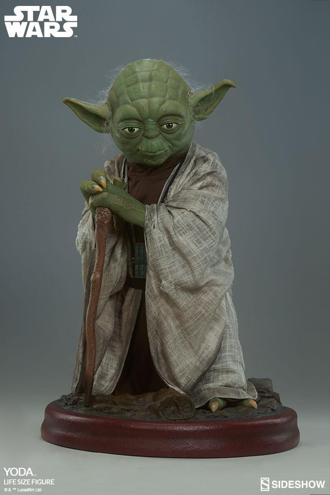STAR WARS: YODA Life size figure Yoda-life-size-figure-400080-yoda-004