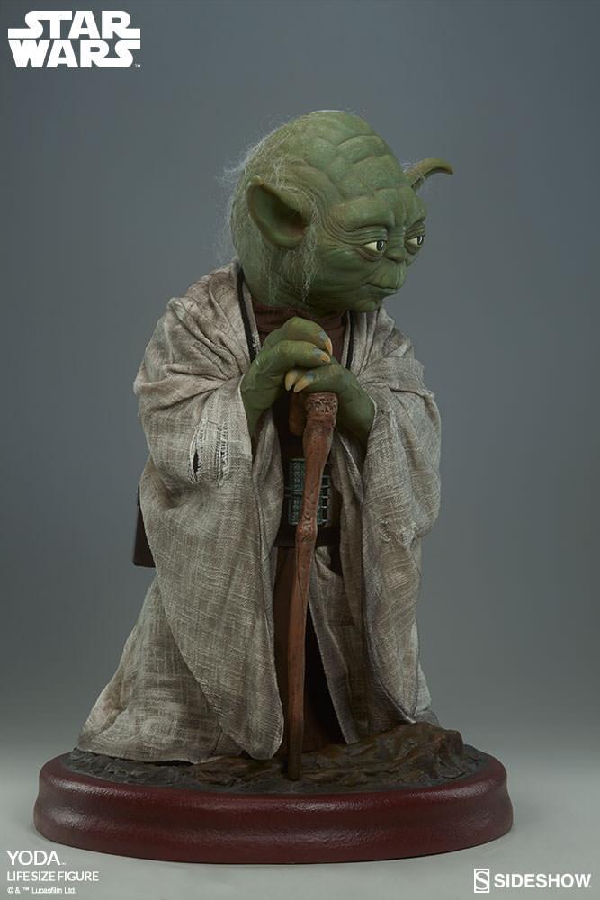 STAR WARS: YODA Life size figure Yoda-life-size-figure-400080-yoda-006