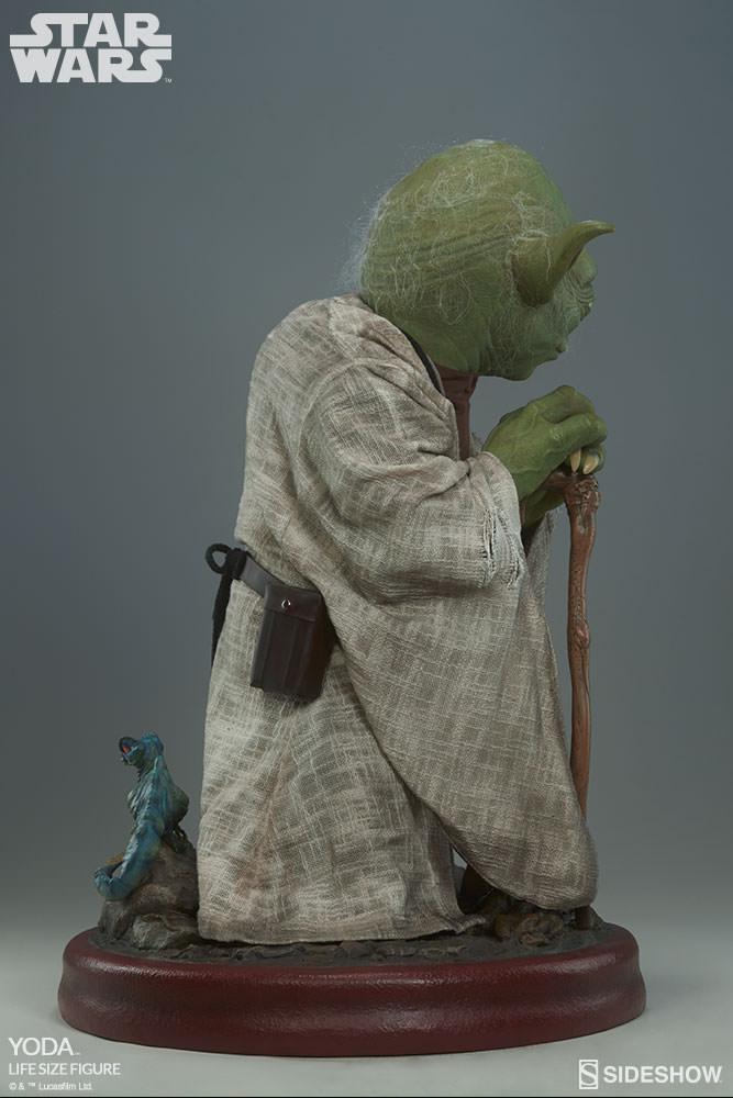 STAR WARS: YODA Life size figure Yoda-life-size-figure-400080-yoda-007