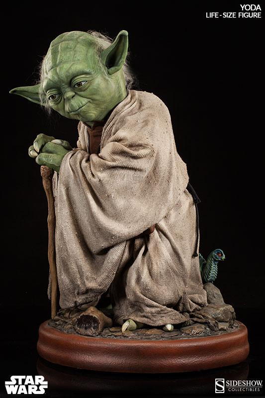STAR WARS: YODA Life size figure Yoda-life-size-figure-400080-yoda-01