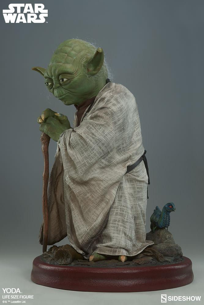 STAR WARS: YODA Life size figure Yoda-life-size-figure-400080-yoda-010