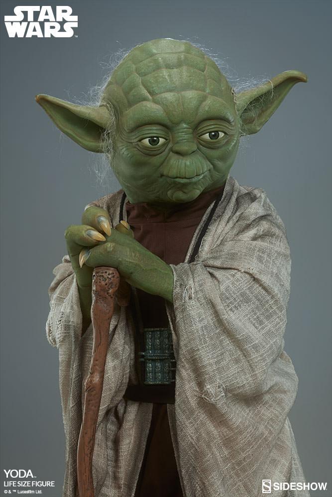 STAR WARS: YODA Life size figure Yoda-life-size-figure-400080-yoda-011