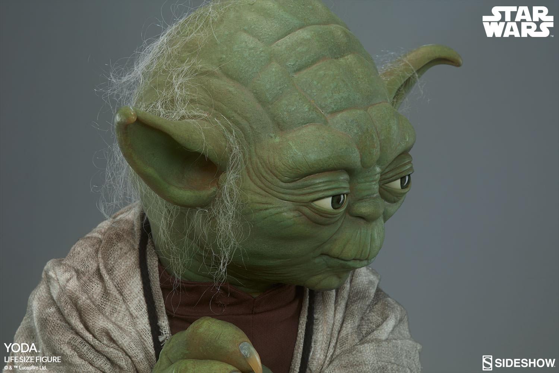STAR WARS: YODA Life size figure Yoda-life-size-figure-400080-yoda-017