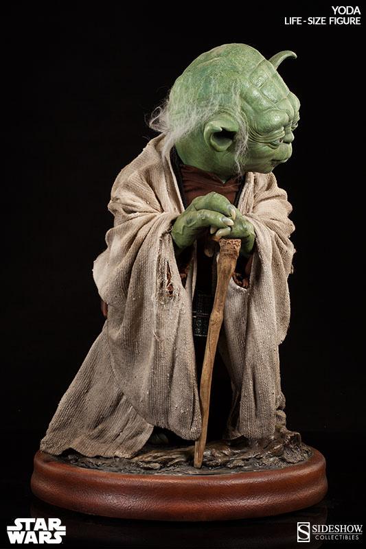 STAR WARS: YODA Life size figure Yoda-life-size-figure-400080-yoda-03