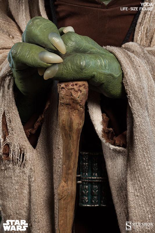 STAR WARS: YODA Life size figure Yoda-life-size-figure-400080-yoda-05