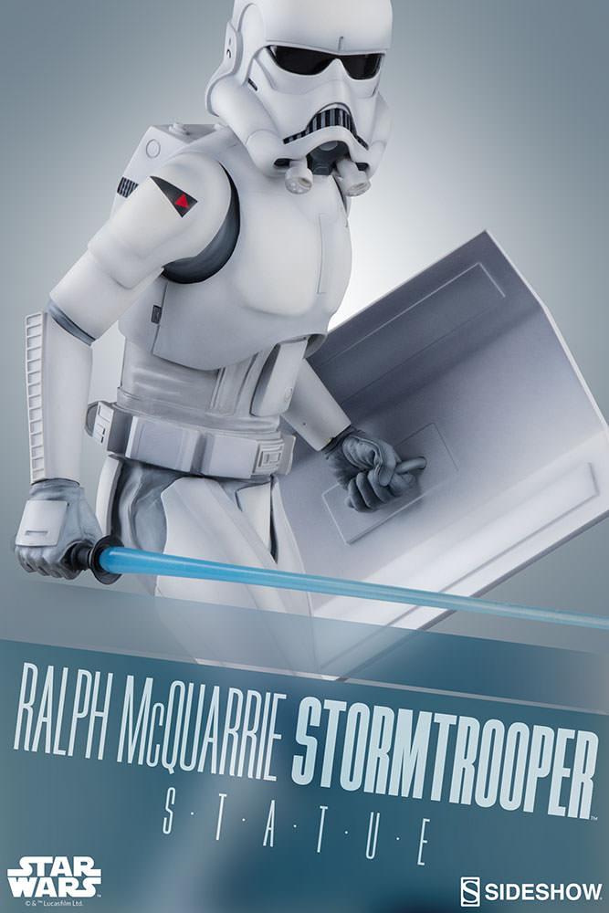 RALPH McQUARRIE STORMTROOPER Statue Star-wars-ralph-mcquarrie-stormtrooper-statue-2003731-00