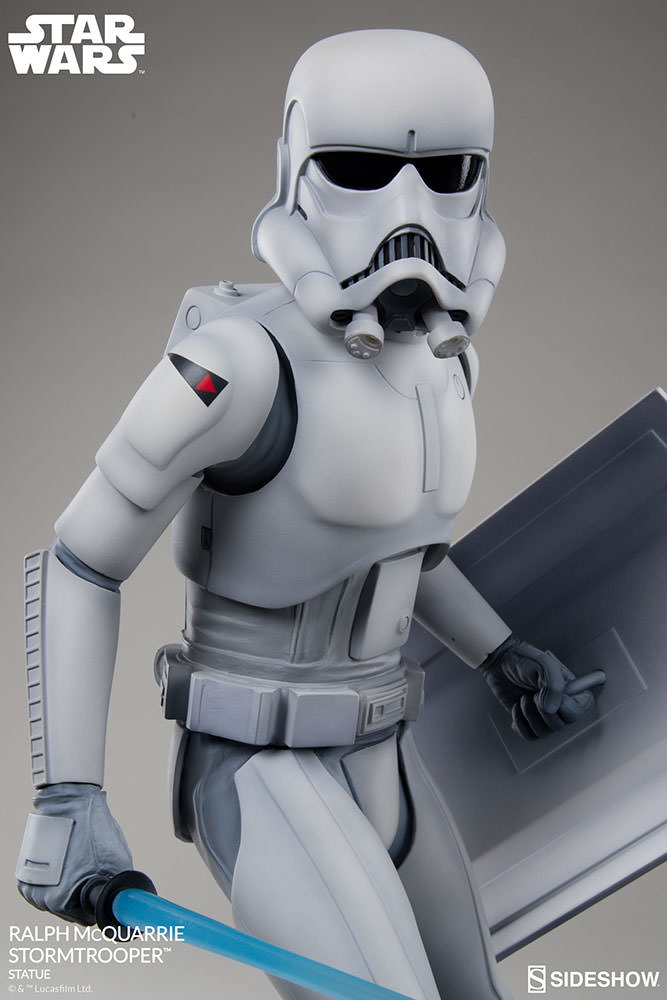 RALPH McQUARRIE STORMTROOPER Statue Star-wars-ralph-mcquarrie-stormtrooper-statue-2003731-09