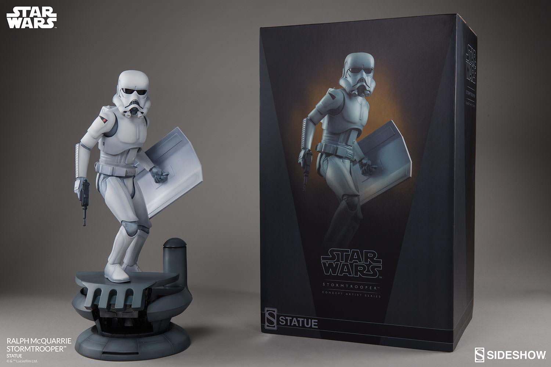 RALPH McQUARRIE STORMTROOPER Statue Star-wars-ralph-mcquarrie-stormtrooper-statue-2003731-12