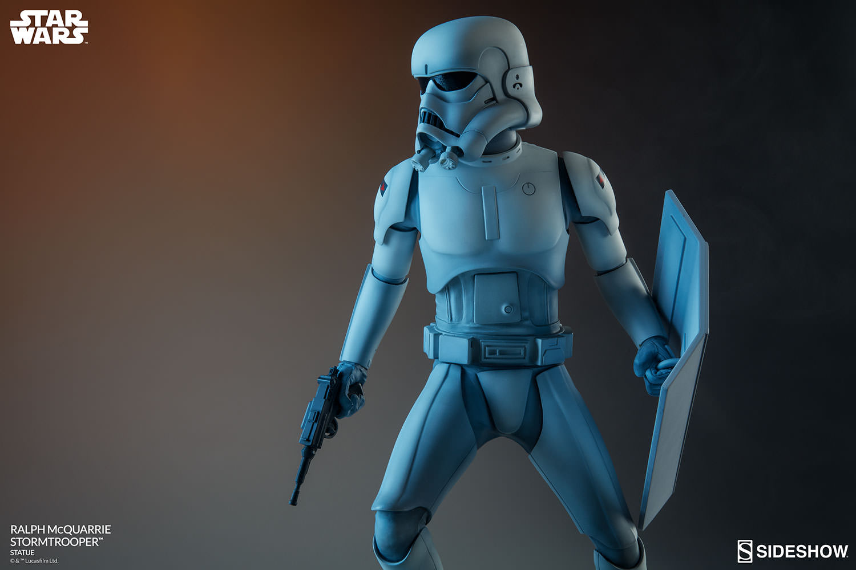 RALPH McQUARRIE STORMTROOPER Statue Star-wars-ralph-mcquarrie-stormtrooper-statue-2003731-14
