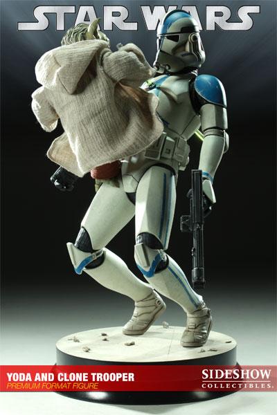 STAR WARS: YODA AND CLONE Premium format Yoda-and-clone-7216-04