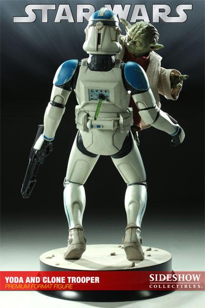 STAR WARS: YODA AND CLONE Premium format Yoda-and-clone-7216-05